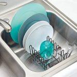 mDesign égouttoir vaisselle en inox – bac à vaisselle en plastique – étendoir pour vaisselle avec bac d'égouttement – rangement et séchage de jusqu'à 15 assiettes – 31,8 cm x 14,0 cm x 10,2 cm de la marque MetroDecor image 2 produit